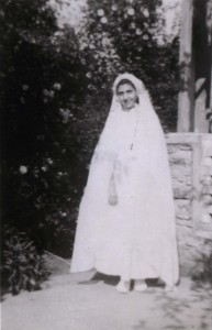 11 year old Rachel at her first communion at the St Hélène convent, photo taken in May 1943 © Yad Vashem