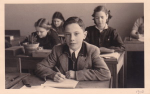 Max Arpels Lezer at the age of 12 in the grade school called »Daltonschool« in the southern district of Amsterdam, photo taken 1948/49 © Max Arpels Lezer